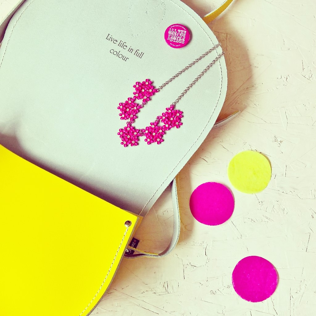live life in full colour instagram bag
